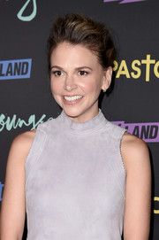 Sutton Foster looked cool with her pompadour at the premiere of 'Younger' season 3.