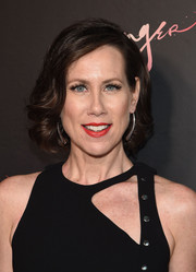 Miriam Shor kept it classic with this short 'do with curly ends at the premiere of 'Younger' season 4.