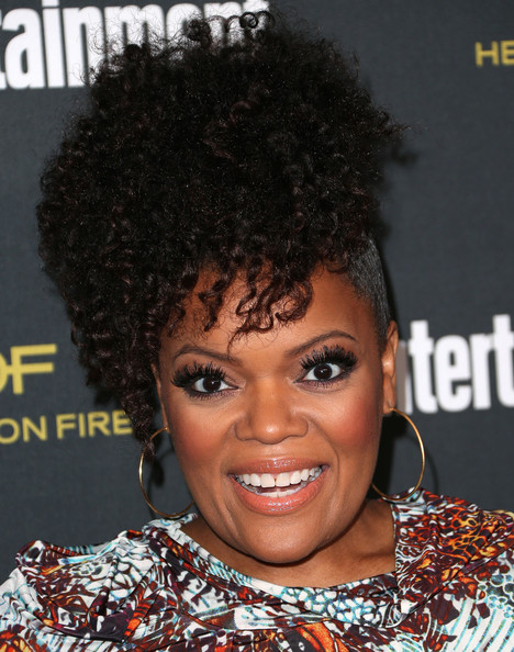 Yvette Nicole Brown Afro Puff