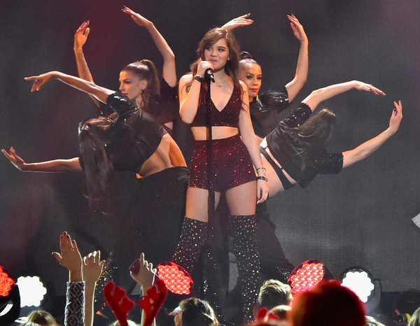 More Pics of Hailee Steinfeld Crop Top (8 of 59) - Hailee Steinfeld Lookbook - StyleBistro [performance,entertainment,performing arts,event,dancer,stage,performance art,public event,music artist,pop music,hailee steinfeld,new york city,madison square garden,z100,jingle ball 2015 - show]