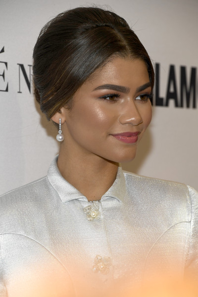 Zendaya Coleman Pearl Drop Earrings