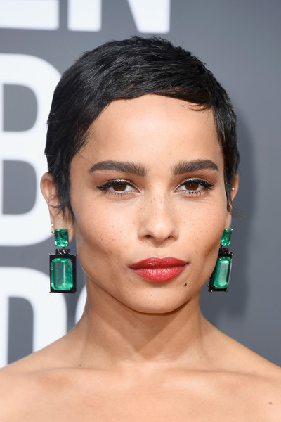 Zoe Kravitz Red Lipstick [eyebrow,beauty,hairstyle,lip,chin,cheek,forehead,eyelash,black hair,brown hair,arrivals,zoe kravitz,golden globe awards,hairstyle,hair,hairstyle,hair,pixie cut,black hair,the 75th annual golden globe awards,zo\u00eb kravitz,hairstyle,pixie cut,short hair,75th golden globe awards,actor,layered hair,hair,fashion,celebrity]
