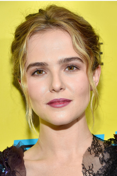 Zoey Deutch Berry Lipstick [everybody wants some,hair,face,eyebrow,lip,hairstyle,chin,blond,beauty,forehead,cheek,zoey deutch,screening,paramount theatre,austin,texas,sxsw music,film interactive festival]