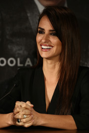 Penelope Cruz sported a straight layered cut at the 'Zoolander No. 2' Berlin photocall.