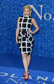 Ashley Roberts looked effortlessly chic in this black-and-white grid-print dress during the 'Zoolander No. 2' London fan screening.