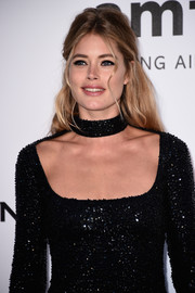 Doutzen Kroes attended the amfAR Cinema Against AIDS Gala wearing a retro-glam half-up 'do.