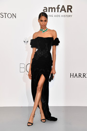 Cindy Bruna was a classic beauty in a black velvet off-the-shoulder gown by Ulyana Sergeenko Couture at the amfAR Gala Cannes 2017.