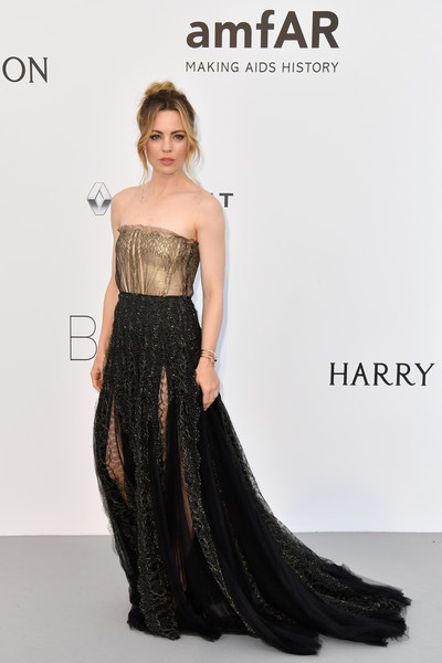 Melissa George was classic in a strapless Schiaparelli Couture lace gown with an illusion bodice at the amfAR Gala Cannes 2017.
