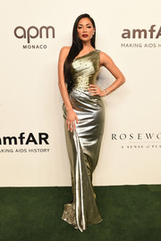 Nicole Scherzinger was a golden beauty in this metallic one-shoulder gown by Rami Kadi Couture at the 2019 amfAR Gala Hong Kong.