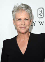 Jamie Lee Curtis looked cool with her pixie cut at the 2015 amfAR Inspiration Gala.