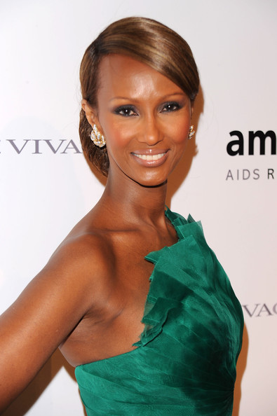 Iman went for a nude lipstick with a definite hint of pink at the 2010 amfAR gala. The pale shade let her eyes be the standout feature.