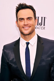Cheyenne Jackson's skinny tie added a bright pop of color to his suit.