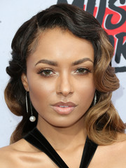 Kat Graham channeled Old Hollywood with this vintage-glam hairstyle for the iHeartRadio Music Awards.