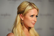 Paris Hilton sported gorgeous black diamond crystal earrings at the Lia Sophia bash in Hollywood.