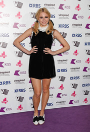 Pixie Lott kept it fun all the way down to her bowed oxfords.