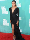Who was best dressed at the 2012 MTV Movie Awards?