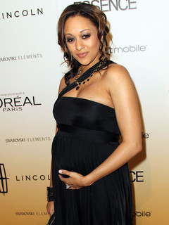 Pictures Of Raven Symone Pregnant