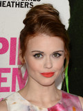 Which Celebrity Has the Best Coral Lips?