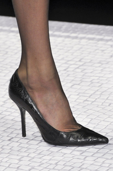 Alberta Ferretti at Milan Fall 2012 (Details)