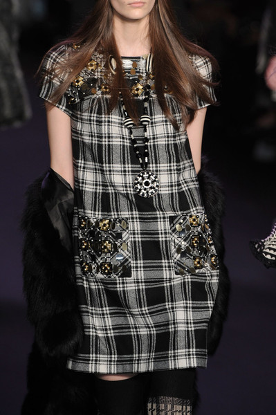 Anna Sui Fall 2011 - Details