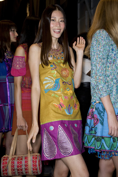 Anna Sui at New York Spring 2009 (Backstage)
