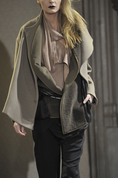 Anne Valérie Hash at Paris Fall 2011 (Details)