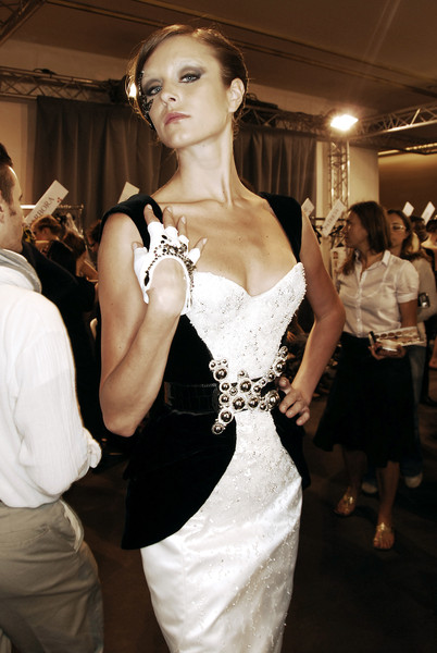 Armani Privé Fall 2007 - Backstage