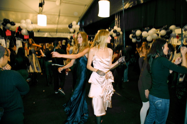 Betsey Johnson Fall 2007 - Backstage
