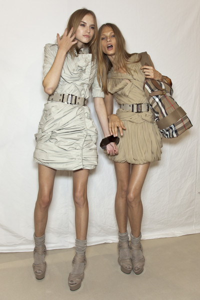 Burberry Prorsum at London Spring 2010 (Backstage)