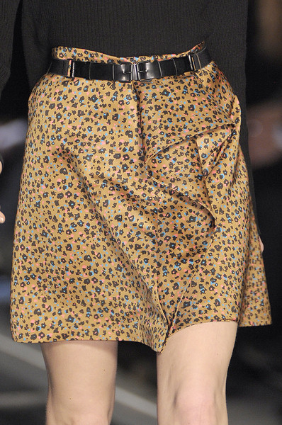 Cacharel Fall 2010 - Details