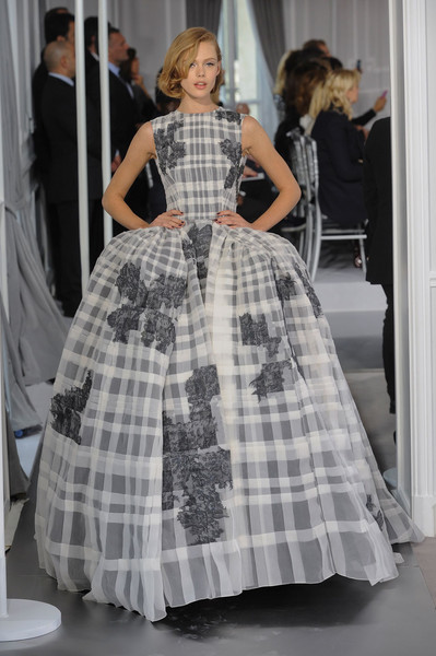 who wore christian diors couture windowpane ball gown