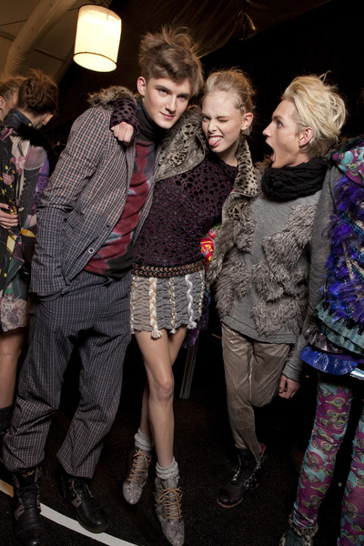 Custo Barcelona Fall 2010 - Backstage
