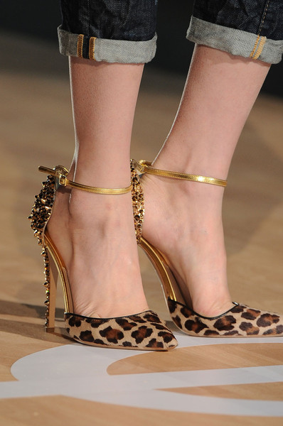 Dsquared² at Milan Fall 2012 (Details)