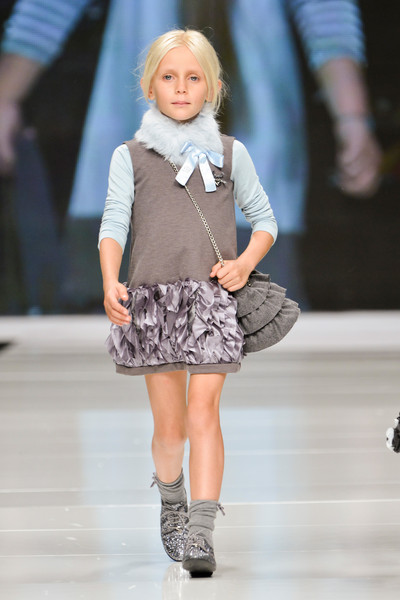 http://www1.pictures.stylebistro.com/it/Fashion+Kids+For+Children+In+Crisis+Onlus+Spring+2013+wpWEZngO_NCl.jpg
