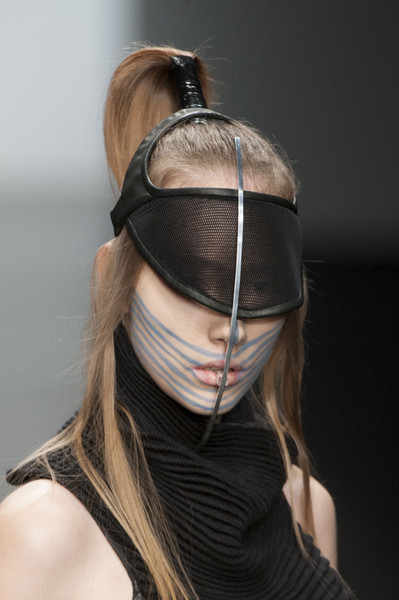 Haizhen Wang at London Fall 2013 (Details)