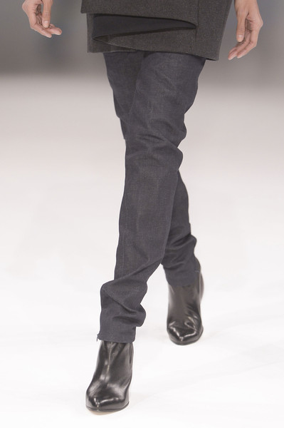 Hussein Chalayan Fall 2013 - Details