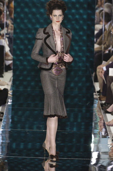 Jean Louis Scherrer at Couture Fall 2004