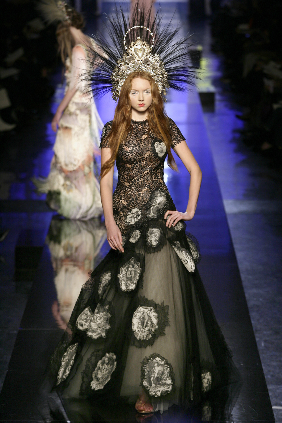 jean paul gaultier couture spring 2007 the most mind blowing couture gowns of the last five. Black Bedroom Furniture Sets. Home Design Ideas