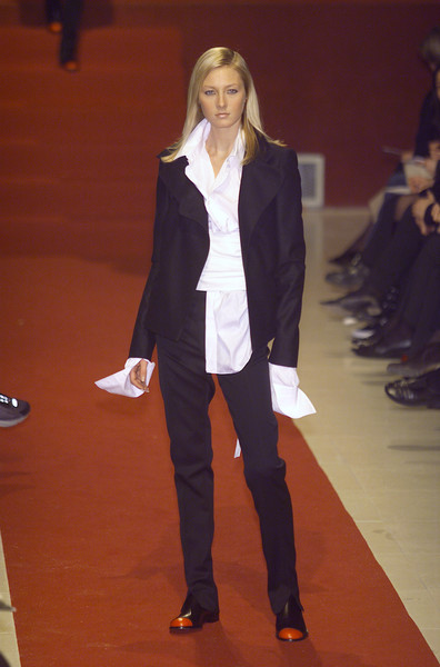 Karl Lagerfeld at Paris Fall 2001