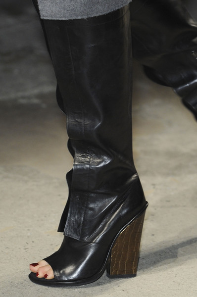Kenneth Cole Fall 2013 - Details