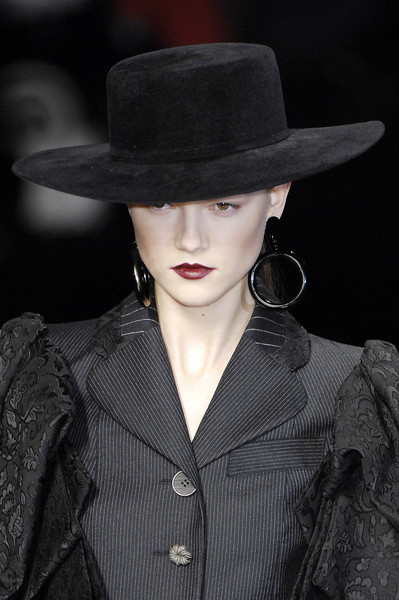 Kenzo at Paris Fall 2007 (Details)