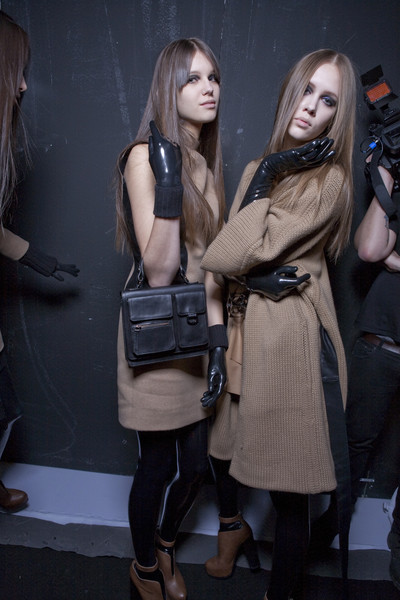 Les Copains Fall 2010 - Backstage