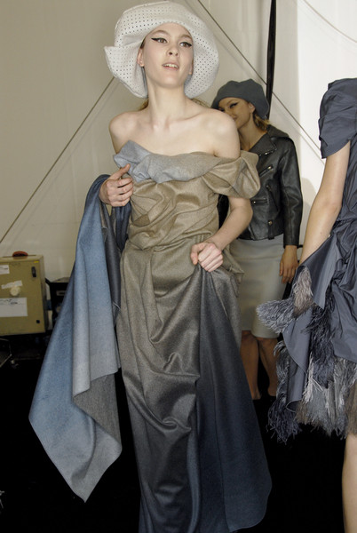 Louis Vuitton at Paris Fall 2007 (Backstage)