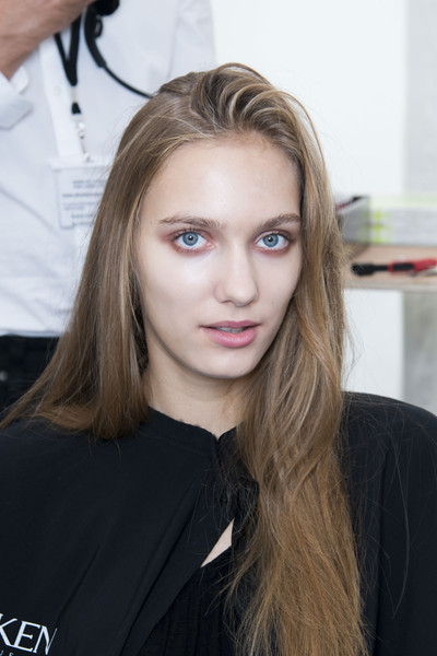 Maxime Simoens at Paris Spring 2014 (Backstage)