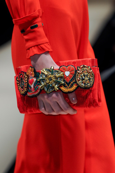 Moschino Fall 2013 - Details