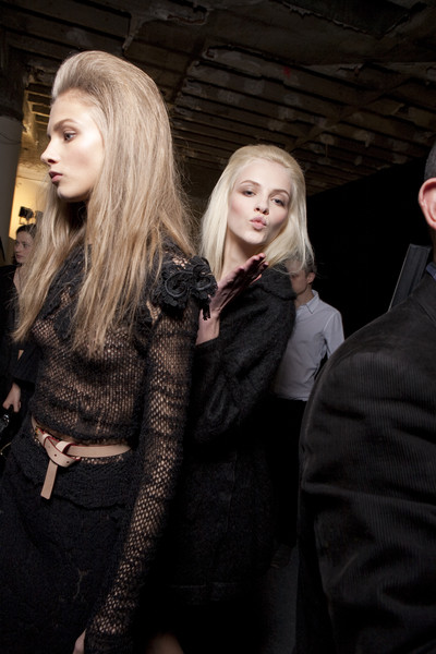 Nina Ricci Fall 2010 - Backstage
