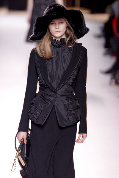 Nina Ricci at Paris Fall 2011
