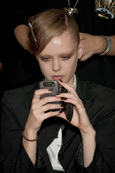 RM by Roland Mouret at Paris Spring 2010 (Backstage)