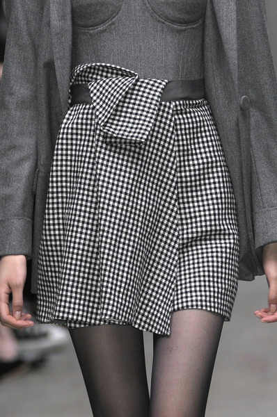 Richard Nicoll at London Fall 2010 (Details)