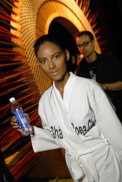 Rosa Cha Spring 2007 - Backstage